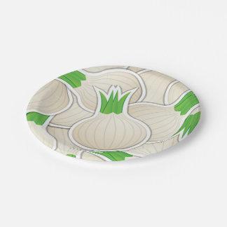 Cebollas blancas enrrolladas plato de papel