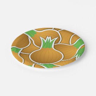 Cebollas marrones enrrolladas plato de papel