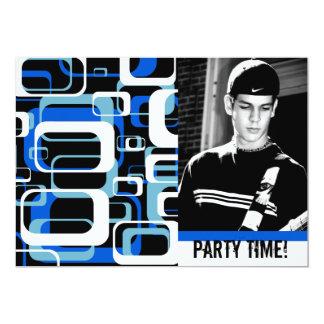 Celebración adolescente del fiesta del muchacho de invitación personalizada
