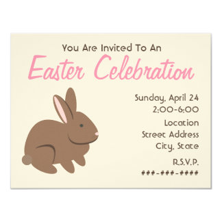 Celebración de Pascua - conejo de Brown Anuncios