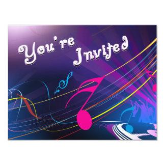 Celebración púrpura del cumpleaños de las notas invitación 10,8 x 13,9 cm