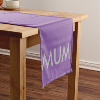 Celebraciones de la momia camino de mesa corto