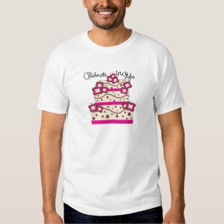 Celebre en estilo camisas