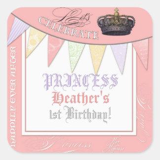 Celebre real a la chica marchosa de princesa pegatina cuadrada