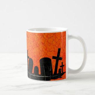Cementerio apenado - impresión negra anaranjada de taza de café