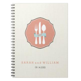 Cena beige de la tela a rayas de los cubiertos cuaderno