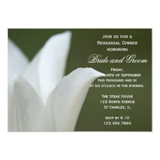 Cena blanca del ensayo del boda de la primavera invitación 12,7 x 17,8 cm