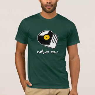 Cera en la camiseta de DJ del rasguño