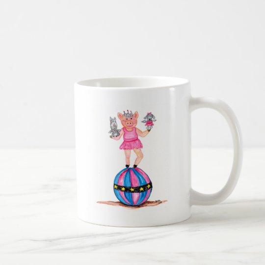 Cerdo de la bailarina con los caniches de taza de café