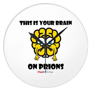 Cerebro en priones reloj redondo grande
