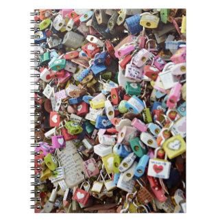 Cerraduras del amor libros de apuntes con espiral