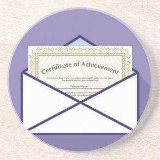 Certificado en vector del sobre apoyavasos