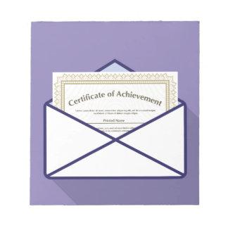Certificado en vector del sobre bloc de notas