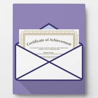 Certificado en vector del sobre placas para mostrar