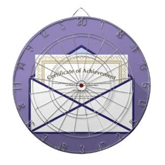 Certificado en vector del sobre tabla dardos