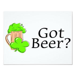Cerveza conseguida del verde de la cerveza invitación 10,8 x 13,9 cm