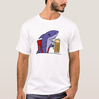 Cerveza de consumición del tiburón divertido camiseta