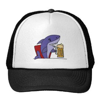 Cerveza de consumición del tiburón divertido gorro