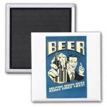 Cerveza - los individuos blancos de ayuda bailan d iman