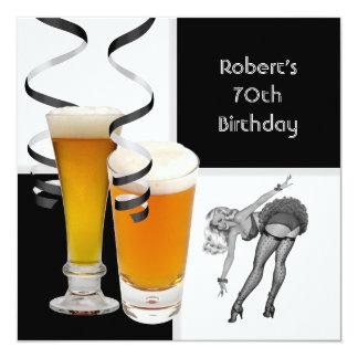 Cerveza MODELA del 70.o del cumpleaños chica retro Invitación 13,3 Cm X 13,3cm