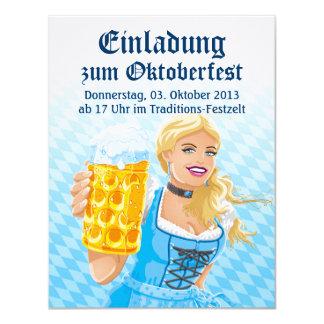 Cerveza Stein de la mujer del Dirndl de Invitaciones Personalizada