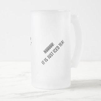¿Cerveza? Taza del vidrio esmerilado