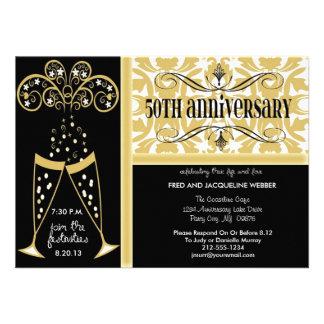 Champán y 50 as invitaciones del aniversario del d invitacion personalizada