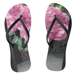 Chanclas Balanceos con las flores rosadas. Grande para las