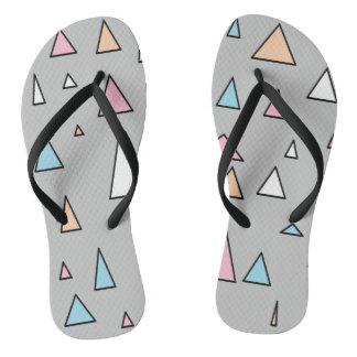 Chanclas Flips-flopes enrrollados de los colores en colores