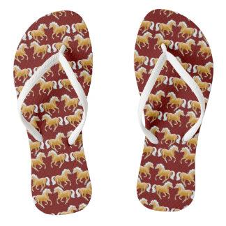 Chanclas Flips-flopes galopantes del caballo de Haflinger