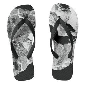 Chanclas Flips-flopes modernos blancos y negros abstractos
