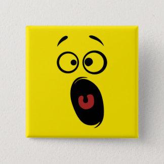 Chapa Cuadrada Cara sonriente amarilla de griterío asustada