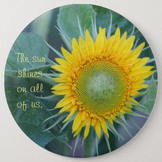 Chapa Redonda De 15 Cm El sol brilla en todos nosotros.