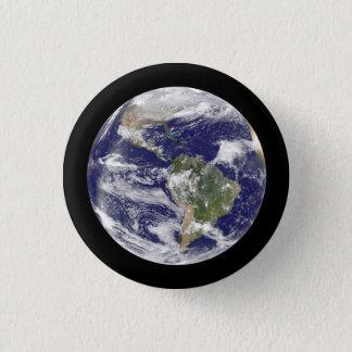 Chapa Redonda De 2,5 Cm Tierra del globo redondo fotográfico del espacio