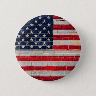 Chapa Redonda De 5 Cm Bandera de América en una pared de ladrillo