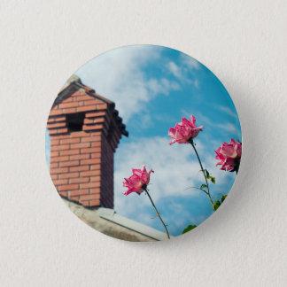 Chapa Redonda De 5 Cm Chimenea y rosas salvajes