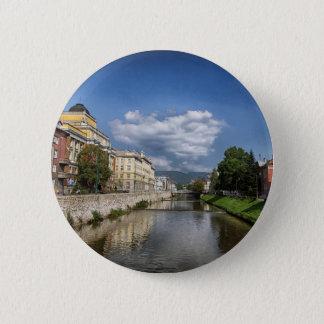 Chapa Redonda De 5 Cm Ciudad de Sarajevo, capital de Bosnia y