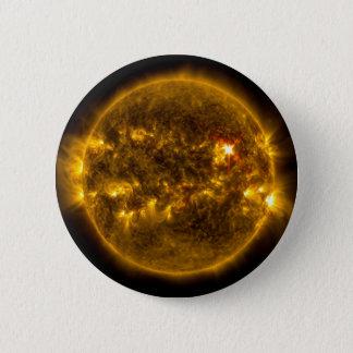 Chapa Redonda De 5 Cm Llamaradas solares en el espacio exterior de Sun