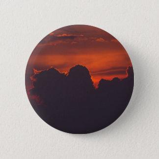 Chapa Redonda De 5 Cm Nubes anaranjadas púrpuras de la puesta del sol