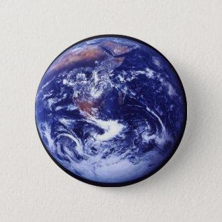 Chapa Redonda De 5 Cm Opinión de Apolo 17 de la tierra en espacio