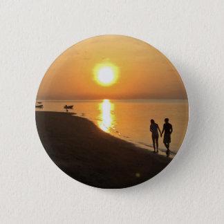 Chapa Redonda De 5 Cm Paseo de la mañana en la playa