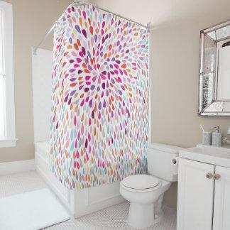 Chapoteo multicolor de la cortina de ducha