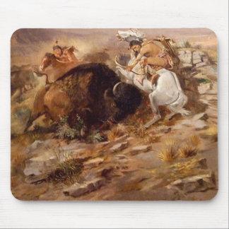 Charles Marion Russell - caza del búfalo Alfombrilla De Ratón