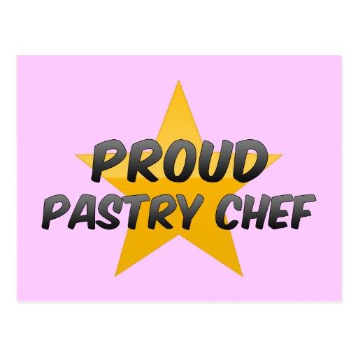 Chef de repostería orgulloso postal