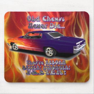 Chevys viejo nunca muere alfombrilla de ratón