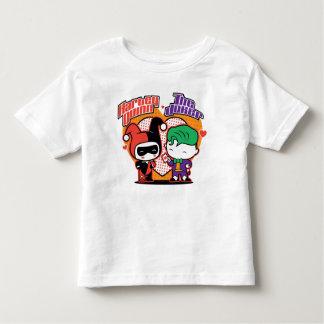Chibi Harley Quinn y corazones del comodín de Camiseta De Bebé
