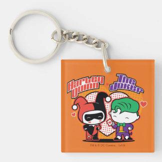 Chibi Harley Quinn y corazones del comodín de Llavero Cuadrado Acrílico A Doble Cara