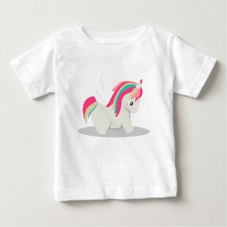 Chibi rechoncho lindo del unicornio que se camiseta de bebé