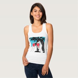 Chica con el corazón camiseta con tirantes
