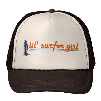 Chica de la persona que practica surf de Lil Gorro De Camionero